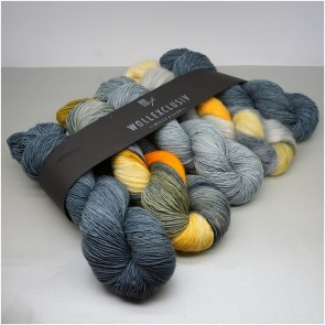 YARN MIX ∣ GREY DELUSION