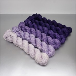 COLORWAY│WOLLE FARBVERLAUF│ULTRA VIOLET
